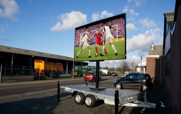 Использование светодиодных экранов в наружной рекламе